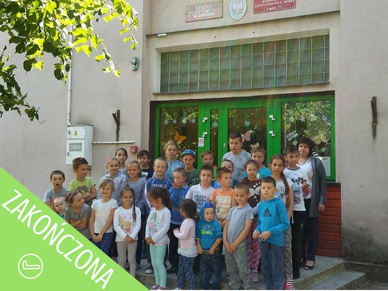 szkoła w Lipinach - apel zakończony